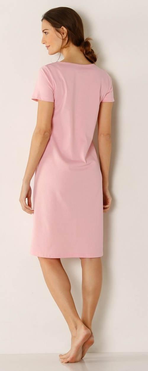 Růžová noční košilka levně