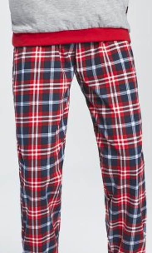 Dětské pyžamo s kostkovanými kalhotami