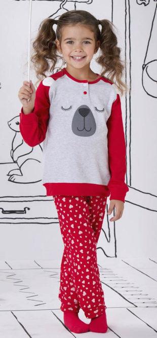 Červené dívčí pyžamo spící medvěd