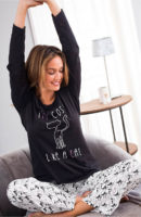 Dámské černobílé pyžamo s kočičkou