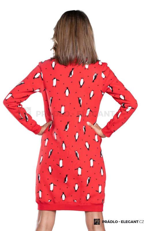 Úpletová zimní noční košilka červené barvy