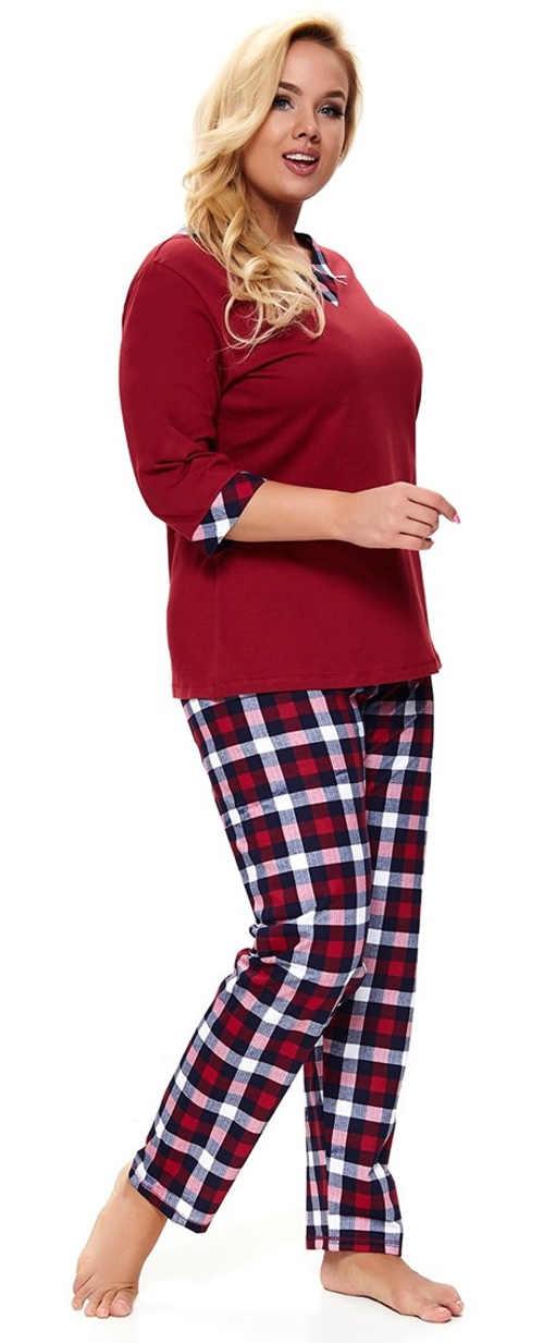Teplé dámské pyžamo pro plnoštíhlé