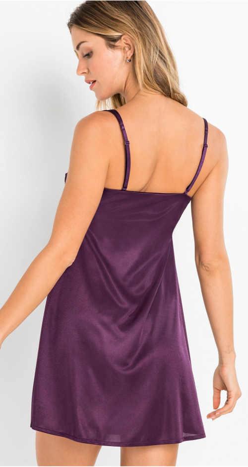 Jednobarevná fialová saténová noční košilka na ramínka