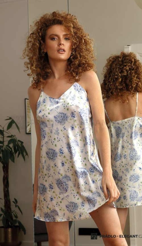 Saténová dámská noční košilka v moderním květovaném vzoru